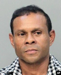 Un informante del FBI denunció a Vicente Adolfo Solano (en la foto) por un presunto plan para colocar una bomba en un popular centro comercial de Miami.