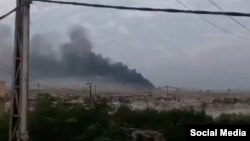 تصویری از آتش سوزی ناشی از یک حمله هوایی به مواضع حشدالشعبی در روزهای گذشته