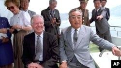 지미 카터 전 미국 대통령이 지난 1994년 6월 북한을 방문하고 김일성 주석과 면담했다.