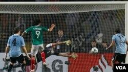 México ofreció su peor imagen en Copa América de donde salió eliminado sin ganar un sólo partido. Uruguay por su parte enfrenta a Argentina este próximo sábado.