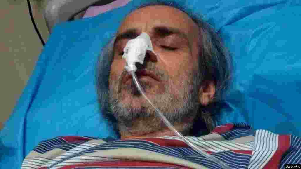 محمد صدیق کبودوند روزنامه کرد و فعال حقوق بشر که در اعتصاب غذا بود به بیمارستان منتقل شد. او در اعتراض به بی توجهی مسئولان زندان و نادیده گرفتن حقوق اش اعتصاب کرده بود.