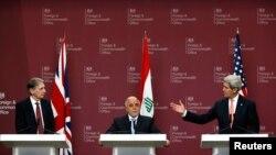 Министр иностранных дел Великобритании Филип Хэммонд, премьер-министр Ирака Хайдер аль-Абади и госсекретарь США Джон Керри. Лондон. 22 января 2015 г.