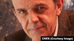 Francis Rocard, responsable de la mission Rosetta à l'Agence spatiale française (CNES)