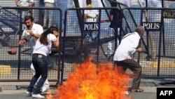 Բախումներ Ստամբուլում` Խաղաղության միջազգային օրը նշող հավաքի մասնակիցների և ոստիկանության միջև