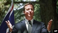 7月5号英国首相卡梅伦在阿富汗首都喀布尔召开记者招待会