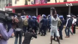 Zimbabwe Police Beating Up MDC Supporters Outside Morgen Tsvangirai House
