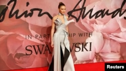 جی جی حدید، مراسم فرش قرمز جوایز مد ۲۰۱۶