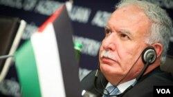 Ngoại trưởng Palestine Riyad əl-Maliki hối thúc các đại biểu xem xét tới một cuộc vận động mới để Palestine có tư cách hội viên đầy đủ tại Liên Hiệp Quốc và gia tăng áp lực kinh tế lên Israel.