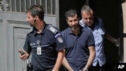 رشید تاوان ۴۰ ساله، که قرار بازداشت بین المللی برای او صادر شده بود، در ماه ژوئن ۲۰۱۷ در رومانی بازداشت شد.