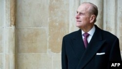 Prens Philip Taburcu Oldu