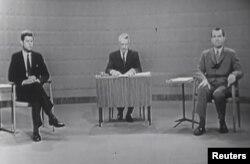 John F. Kennedy ve Richard Nixon, 1960 yılında bir tartışma programında