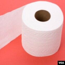 Para que se lleve una idea, si cada hogar en Estados Unidos remplazara un rollo de papel sanitario hecho de materiales brutos con uno hecho de papel reciclado, el país salvaría 423,900 árboles.