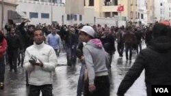Vụ hạ sát chính trị gia đối lập Chokri Belaid dẫn đến sự phẩn nộ, và bất ổn ở Tunisia
