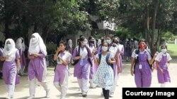 করোনার কারণে দীর্ঘ ছুটি শেষে স্কুল-কলেজে যাচ্ছে শিক্ষার্থীরা