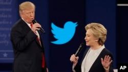 در دو مناظرۀ تلویزیونی میان نامزدان دموکرات و جمهوریخواه، مسایل اقتصادی و داخلی بحث شد.