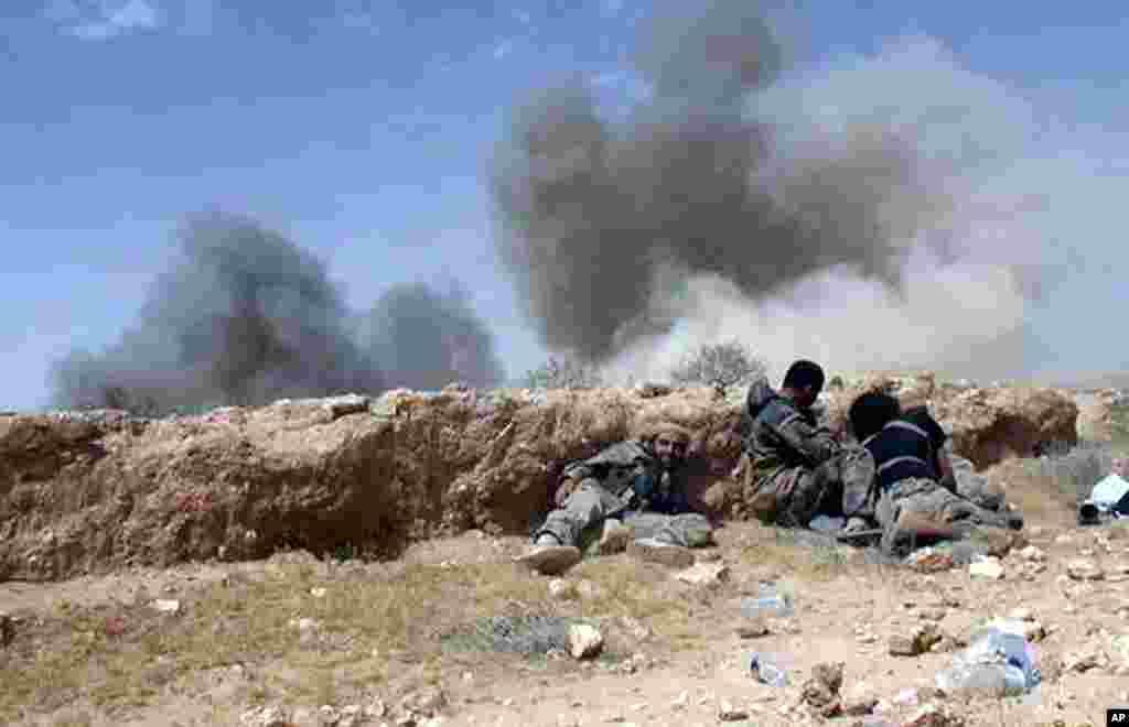 داعش نے دعویٰ کیا ہے کہ شام میں حکومت کی حامی فورسز کو پسپا کرنے کے بعد انھوں نے تاریخی شہر تدمر (پالمیرا) پر مکمل کنٹرول حاصل کر لیا ہے۔