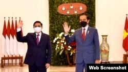 Thủ tướng Việt Nam Phạm Minh Chính và Tổng thống Indonesia Joko Widodo tại Jakarta ngày 23/4/2021. Photo VGP.