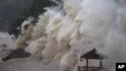 지난 11일 태풍 마리아가 몰아친 중국 저장성의 한 바다.