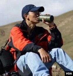 青年作家贡噶仓央 (美国之音藏语族提供)