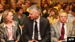 Ambasadorka Vorlik, ministar Bradić i šef misije OEBS-a na skupu o istraživačkom novinarstvu