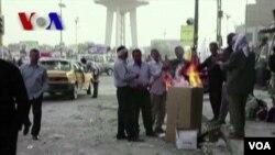 ວີໂອເອລາຍງານວ່າ ສະພາບການໃນອີຣັກ 10 ປີ ພາຍຫລັງລະບອບການປົກຄອງຜະເດັດການຂອງ Saddam Hussein ໄດ້ນໍາເອົາຄວາມຮັ່ງມີມາໃຫ້ບາງຄົນ ໃນຂະນະ ທີ່ປ່ອຍໃຫ້ຫລາຍຄົນຍັງປະເຊີນຄວາມທຸກຍາກຢູ່ (VOA On Assignment Apr. 5)