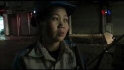 Hà Nội đêm và người công nhân quét đường