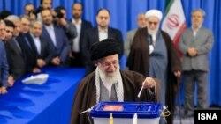 خامنهای هم گفته بود مخالفان نظام رای بدهند اما بعد تعداد آرا را به نفع نظام مصادره کرد