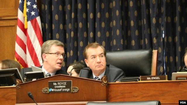 2016年4月20日,众议院外交委员会主席罗伊斯(中)主持几项法案审议会议。