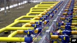 FILE - A set of pipes in a gas storage and transit point in Boyarka, just outside Kiev, Ukraine - the main conduit for Russia's natural gas exports to Europe.