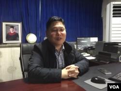 한국 천안에 있는 갈렙선교회 사무실에서 김성은 목사가 VOA와 인터뷰를 하고 있다.