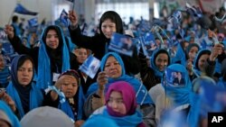 از جمع ده میلیون رأی دهندۀ این انتخابات، سی و پنج در صد آن را زنان تشکیل می دهند.