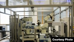 Robot Ilmuwan bernama Eve (University of Manchester)