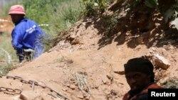 Les mines exploitées illégalement sont sujettes à des effondrements, faute d'entretien (Reuters)