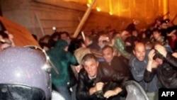 Բախումներ Թբիլիսիում՝ ցուցարարների և ոստիկանության միջև