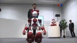 Robot Hitachi ayuda a viajeros