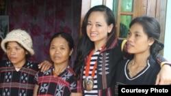 Doanh nhân Lanvy và những người phụ nữ dân tộc A Lưới