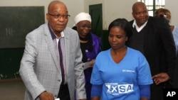 南非總統祖馬5月7日到票站為總統選舉投票。