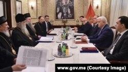 Delegacije Mitropolije crnogorsko-primorske i Vlade Crne Gore na sastanku (Foto: Vlada Crne Gore)