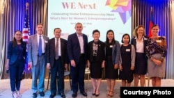 "US Ambassador William Heidt poses for a photo with participants at the ""We Next"" Women's Entrepreneurship Event, November 14, 2018. (Facebook/US Embassy Phnom Penh, Cambodia Page)"