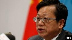 Ông Từ Hồng, Tổng Giám đốc Cơ quan Hiệp ước và Luật pháp thuộc Bộ Ngoại giao Trung Quốc, trong buổi họp báo tại Bộ Ngoại giao Trung Quốc ở Bắc Kinh ngày 12/5/2016.