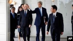 Para Menlu G-7 dalam pertemuan di Hiroshima, Senin (11/4).
