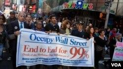 Demonstran Occupy bertekad terus melakukan tekanan politik untuk mengangkat isu kesenjangan pendapatan, sebaga agenda utama kampanye presiden AS 2012.
