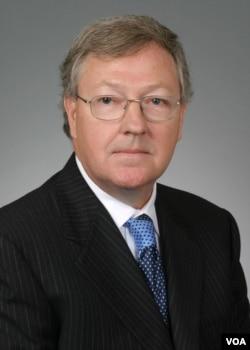 华盛顿市律师卡特·菲利普斯