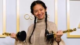 华人导演赵婷获得奥斯卡最佳导演奖(2021年4月25)。