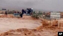 """Au moins 28 personnes sont mortes dans les intempéries """"exceptionnelles"""" qui ont touché ces trois derniers jours le sud du Maroc, en particulier la région de Guelmim (sud-ouest), lundi 24 novembre 2014"""