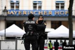 Geçen yılki Münih Güvenlik Konferansı da bu yıl olduğu gibi Münih'teki Bayerischer Hof Oteli'nde düzenlenmişti.