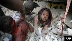 Trận động đất ngày 12 tháng 1 năm 2010 làm thiệt mạng hàng trăm ngàn người và nhiều người khác mất hết nhà cửa
