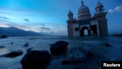 Phần còn lại của một ngôi đền Hồi Giáo tại Palu, đảo Sulawesi, Indonesia, bị động đất và sóng thần phá hủy (ảnh chụp ngày 5/10/2018)