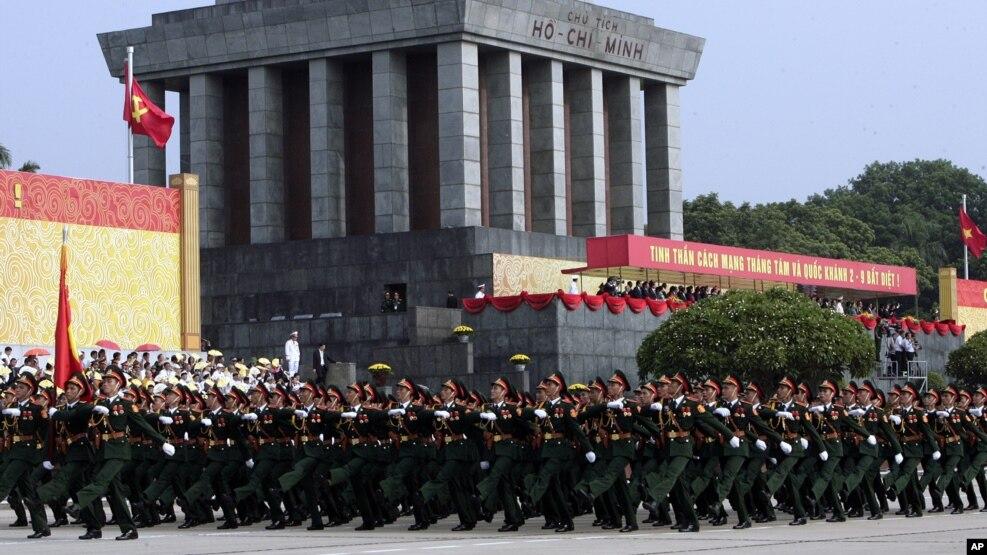 Lễ diễu binh, diễu hành mừng 70 năm Cách mạng Tháng 8 và Quốc khánh 2/9 ở Hà Nội, 2/9/2015.