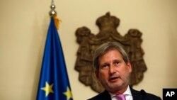 Evropski komesar za proširenje Johanes Han na pres konferenciji u Beogradu.